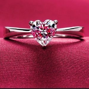 Just IN!925 Sterling Silver Heart CZ Diamond Ring
